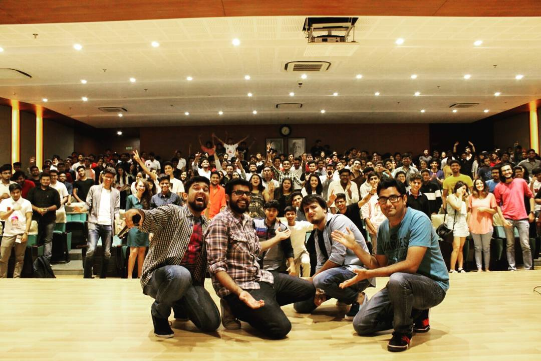 Bohot hi acha gig tha yeh ... Thanks @ameyswift for this amazing memory  #nautanki #throwbackthursday #standup #standingovation #comedy #comedian #aurouniversity #gig #surat #likeforlike #like4like #followforfollow #follow4follow #followme #followall