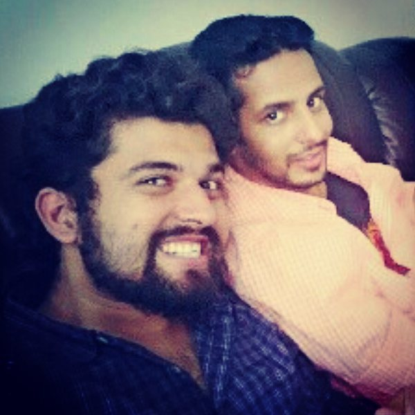 The only photo I found of me & @ojasrawal together.  Saheb always busy hoy che chokario saathe photo padavama (if u don't trust me then check his facebook profile). Wish You Many Many Happy Returns Of The Day Ojas Bhai... keep rocking and make Bhadraben Proud... Cheers to your long and energetic life 🍻