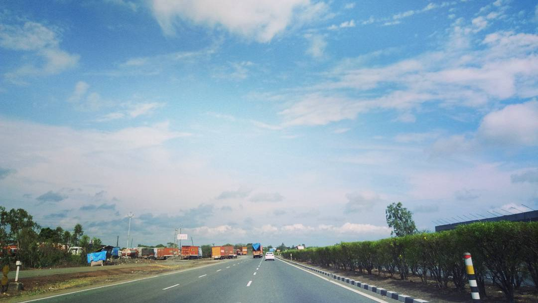 Deep Vaidya,  weekend, trip, nautanki, family, NH8, highway, clouds, nissan, roadtrips, gujarat