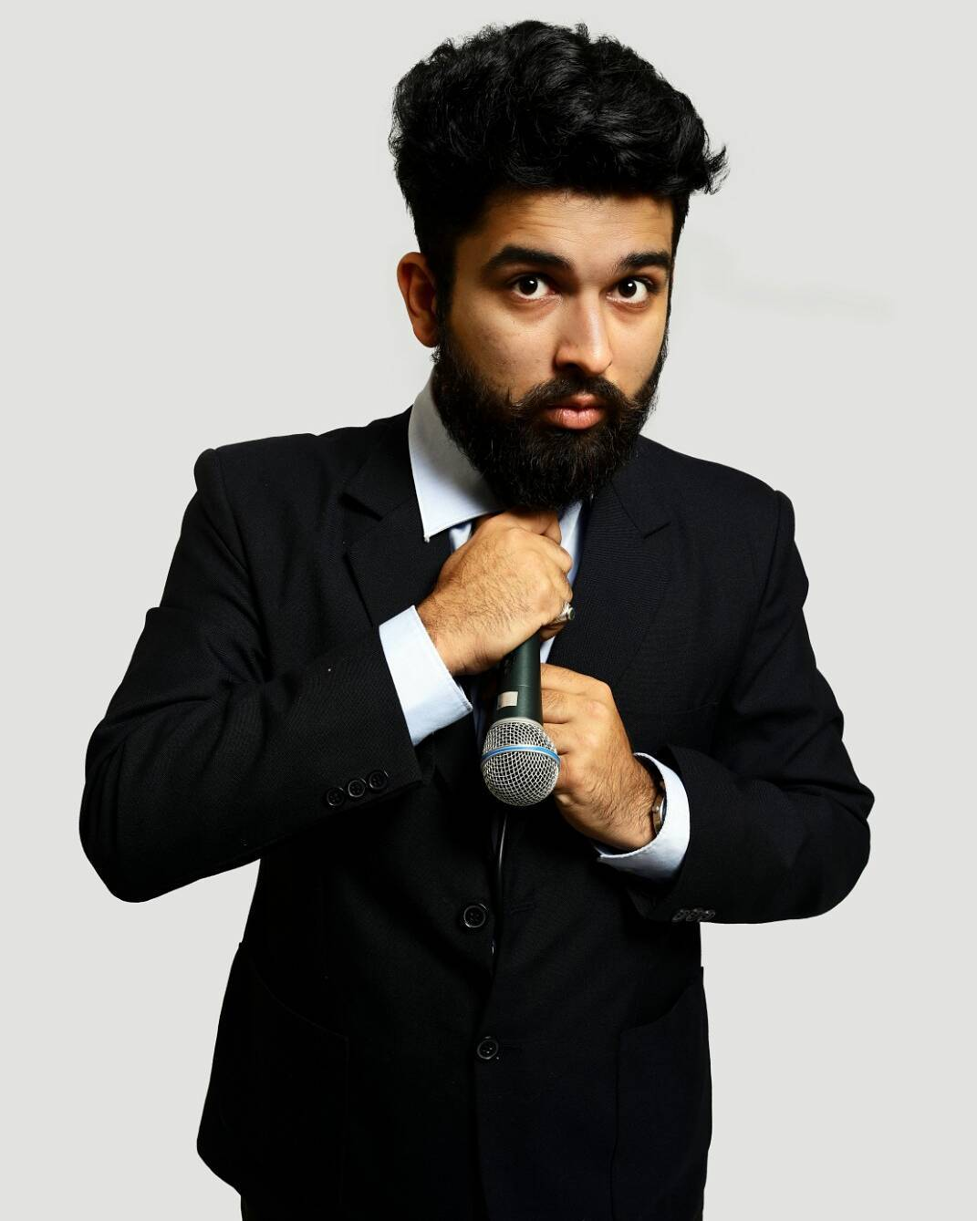 I didn't get any corporate job after MBA and now I perform for the same corporates  #nautanki #karma #standup #standupcomedy #comedian #comedy #corporate  P.C. : @blackacestudio