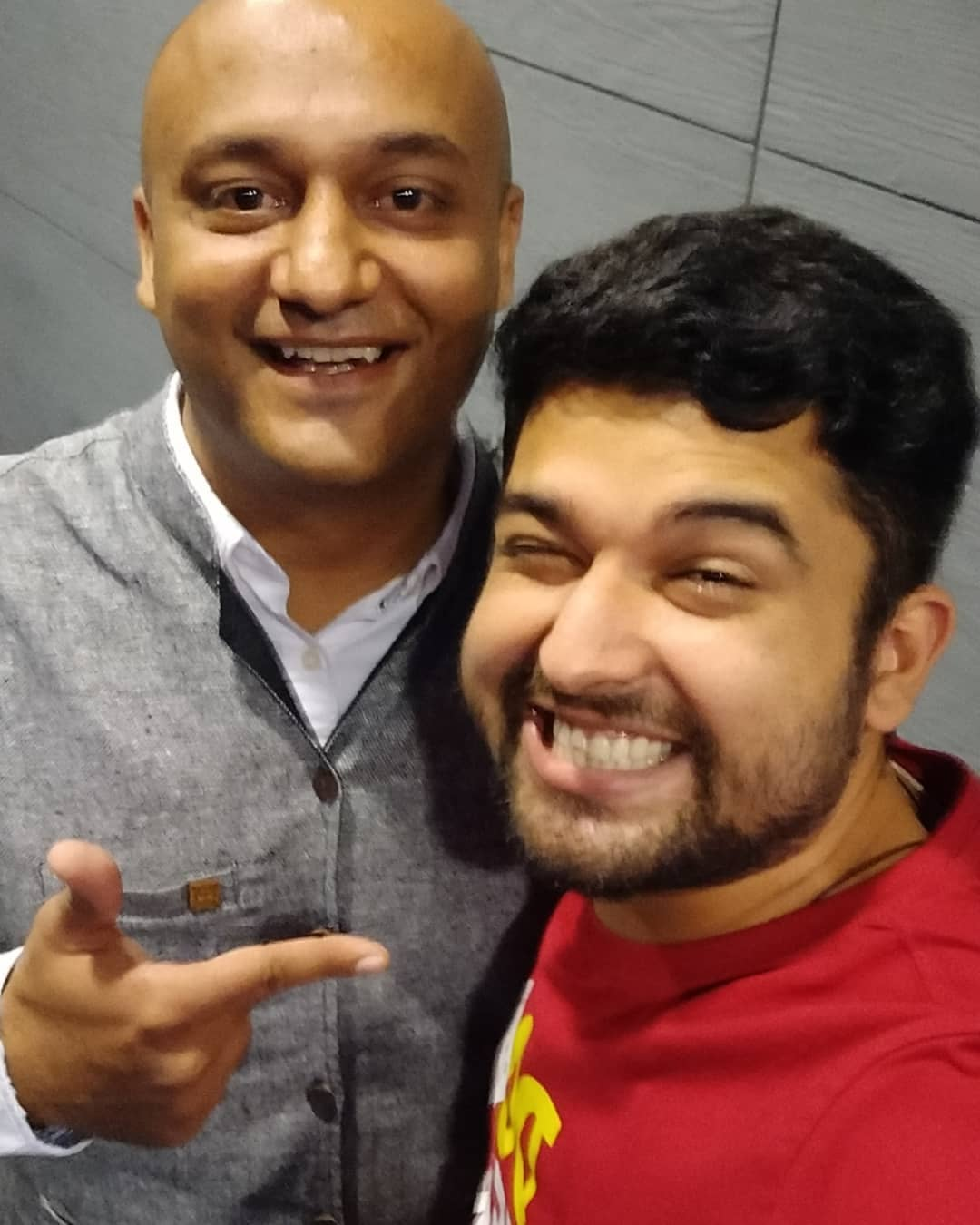 Yesterday Saw Vinay Sharma (@vinaycomedy ) perform live. He is hilarious and an amazing performer. Do follow him and checkout if he is coming to your city anytime in future. . . @om_funnyguynextdoor you did a great job as an opening act. #proudofyoubrother