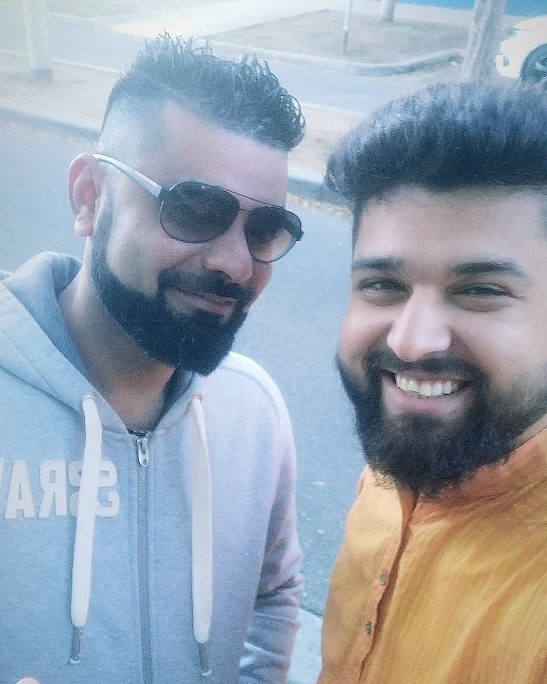 First I thought I met @virat.kohli 🤩 but he is @bhavu.darji 🥺 . . . #bcci #viratkohli #cwc2019