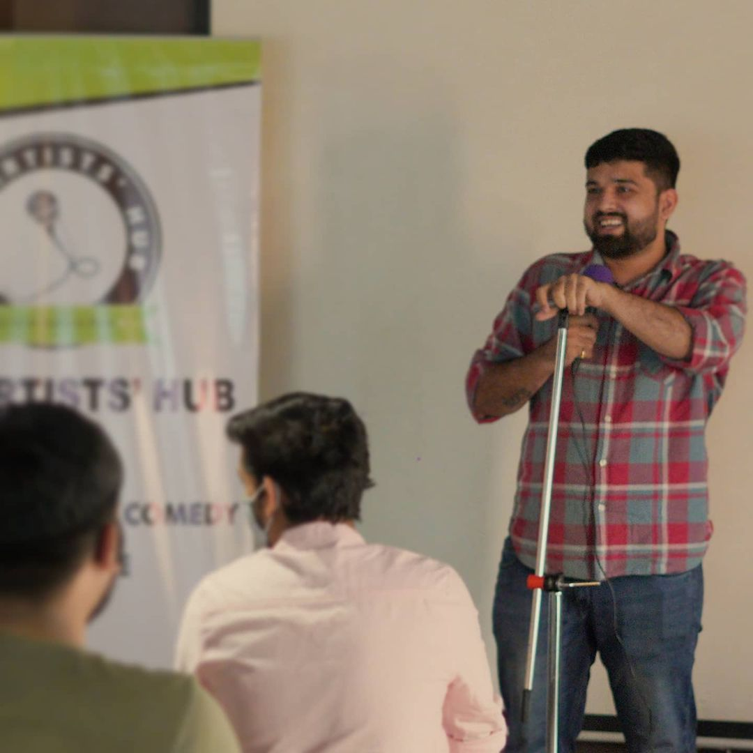 Watch me create new jokes at open mics!  Going to hit stage as much as I can to write and build new stand up content only for you guys!  @the.artists_hub @mictestingbaroda @thecomedyfactoryindia   #standup #openmic #newcontent #jokes #comedy #nautanki #nautankideep