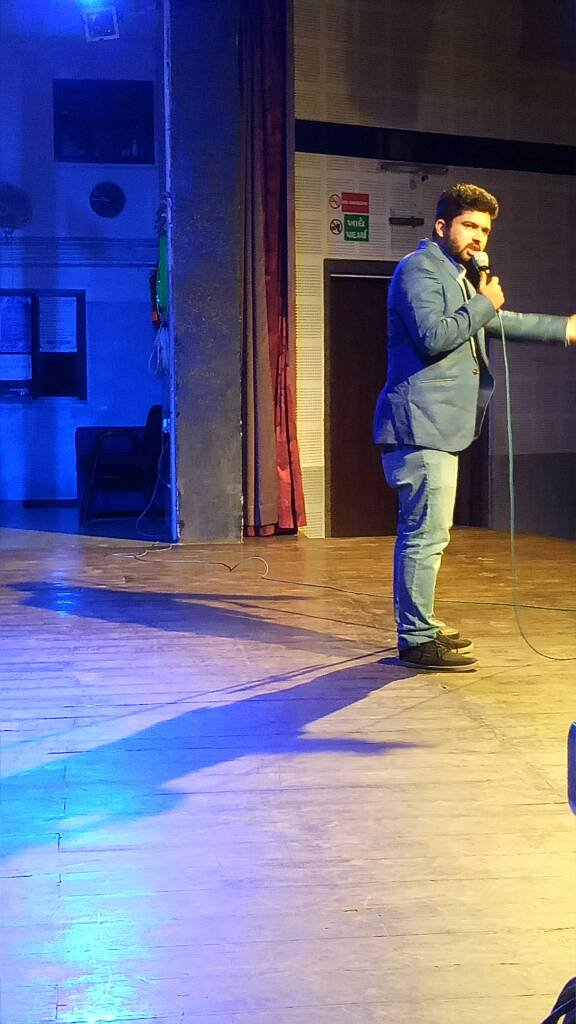 RT @ComedyFactoryIn: Host for the night @nautankideep  #humorouslyyours https://t.co/dDJl2tS3yu